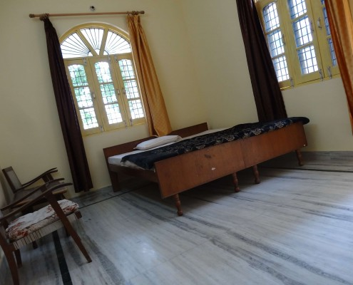 yog sadhna ashrm room