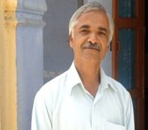 Dr JP Rathi - an experienced Ayurvedic practitioner & Guru at Yoga Sadhna India